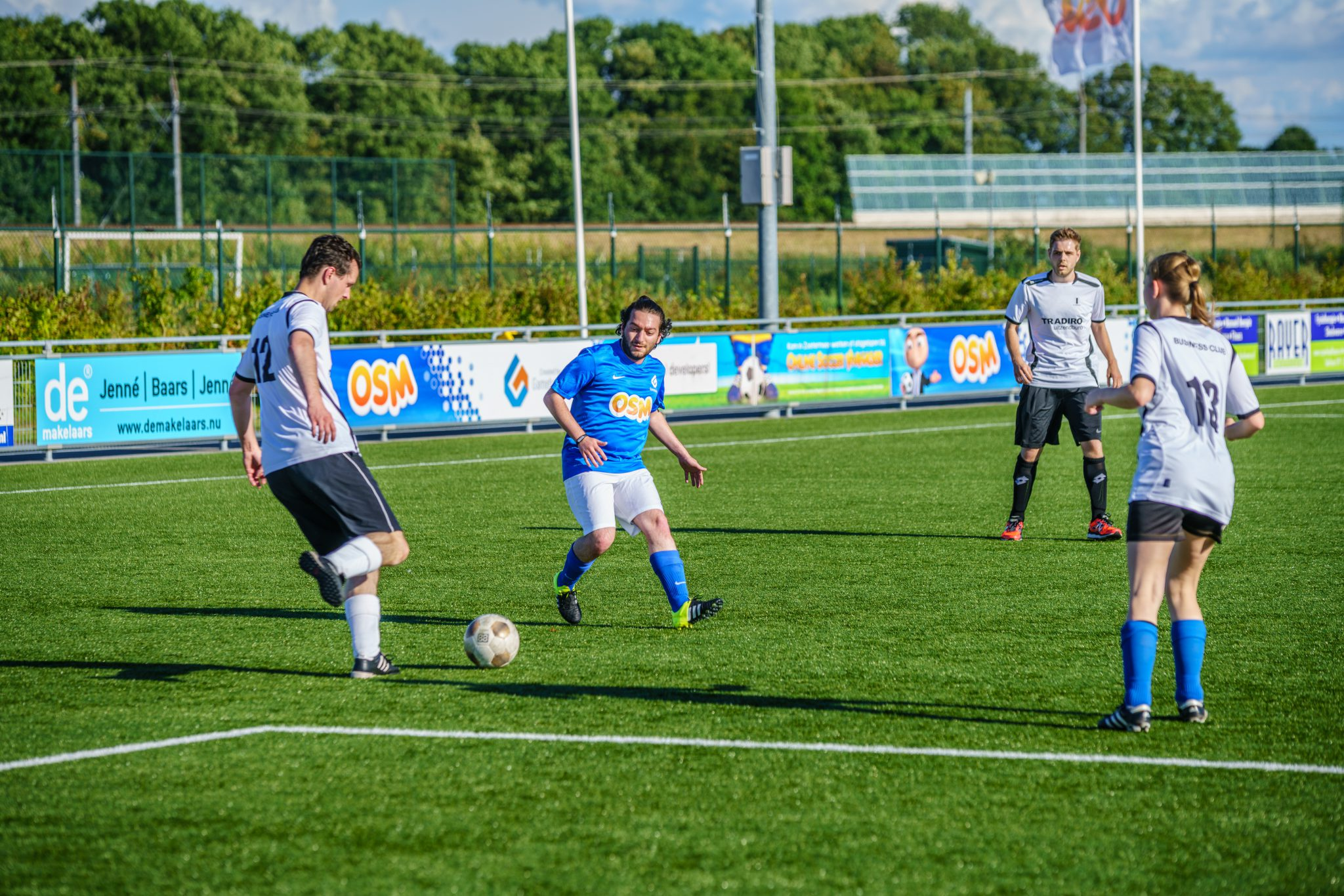 Clash tussen Gamebasics FC vs Worrell & Jetten FC bij DSO